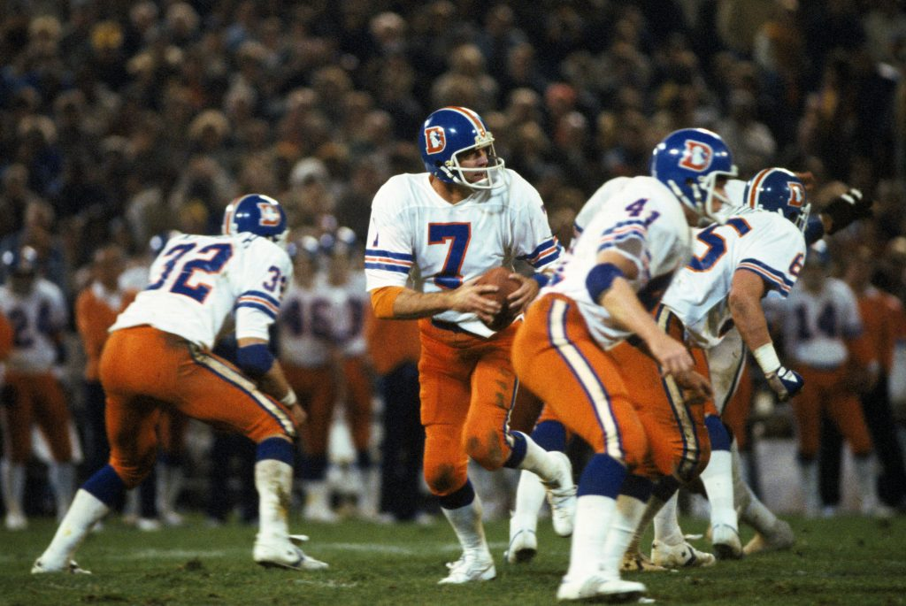 Denver Broncos quarterback Craig Morton (7) drops back to pass during an NFL Sunday Night football game against the Oakland Raiders at the Oakland-Alameda Coliseum on December 3, 1978. The Bronco defeated the Raiders 21-6. (Peter Read Miller via AP)