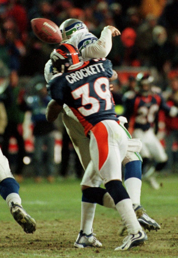 Denver Broncos cornerback Ray Crockett