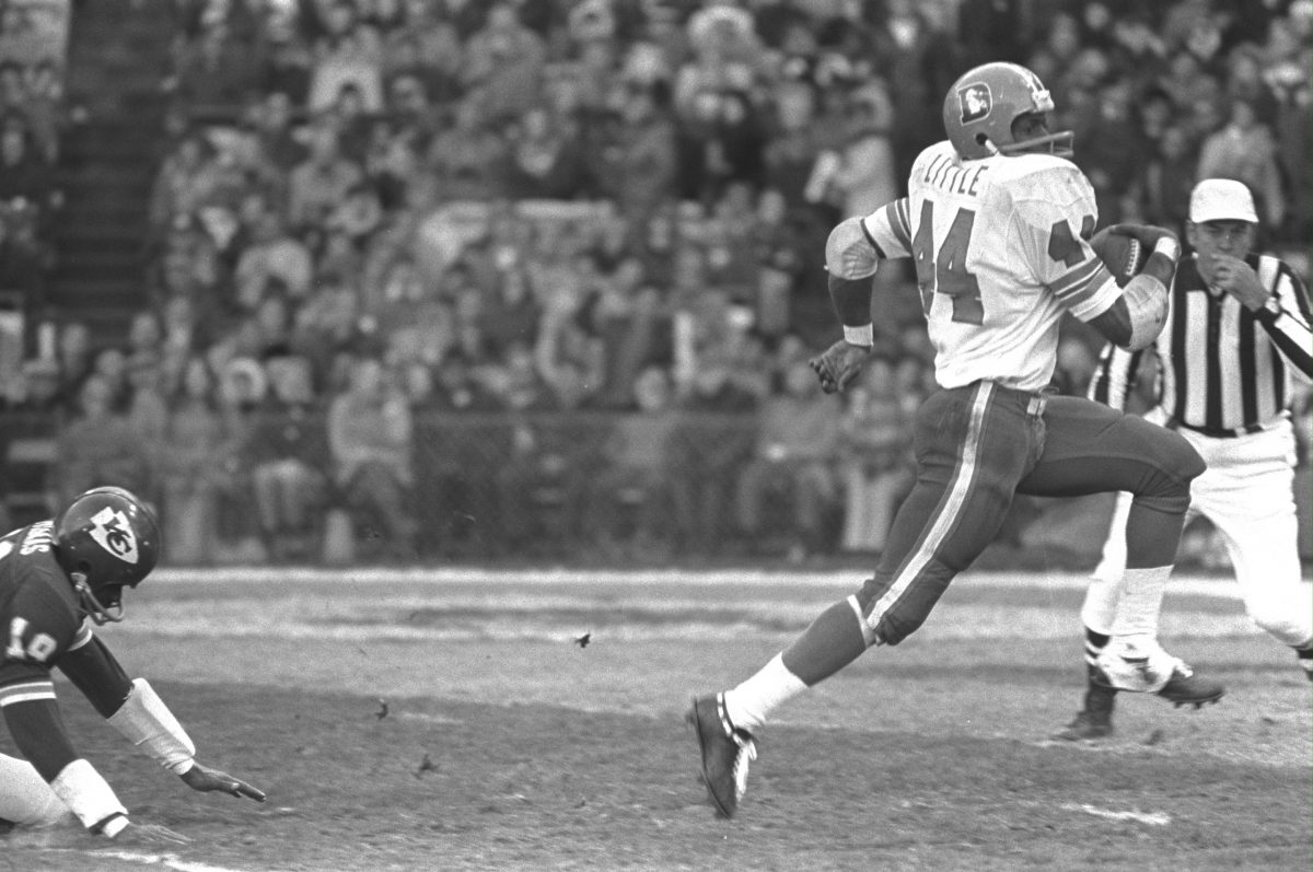 Floyd Little gallops away for a 26-yard touchdown at Kansas City on Nov. 21, 1971.